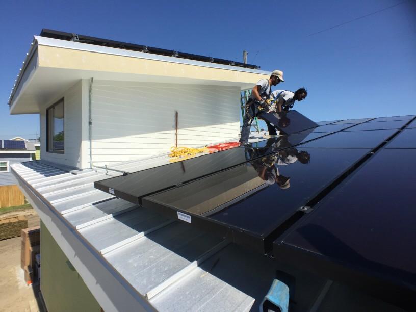 Cuál es el modelo de negocio de instalación y venta de paneles solares